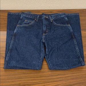 Men's Wrangler Jeans Rugged Wear Relaxed Fit